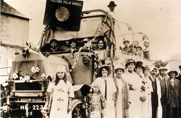 Moonrakers float 1921
