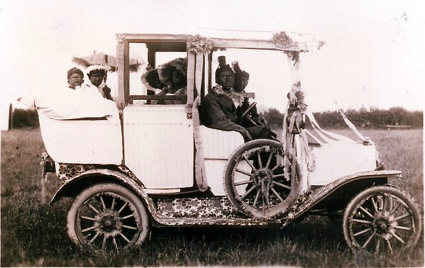 Decorated car 1924..wouldn`t get away with this nowadays!!