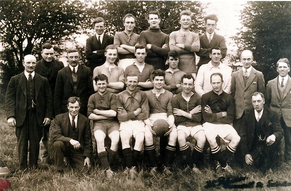 Chiseldon FC with Mr Tatley 1930
