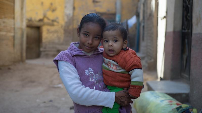 15 de Febrero de 2015 - Pareja de niños egipcios en Edfu. Egipto