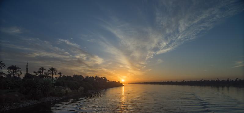 4 de Marzo de 2015 - Minarete al atardecer en el Nilo. Egipto
