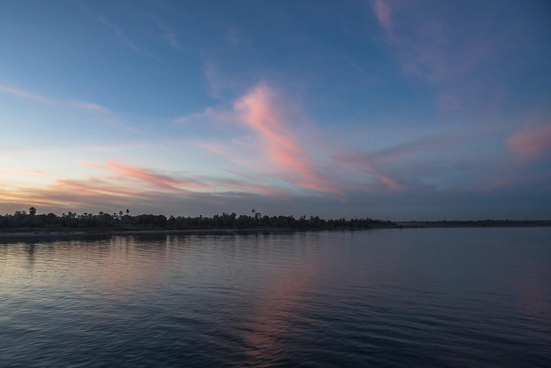 8 de Marzo de 2015 - Otro atardecer en el Nilo. Egipto
