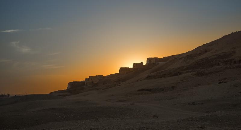 16 de Febrero de 2015 - Qurnet Murray al atardecer. Lúxor. Egipto