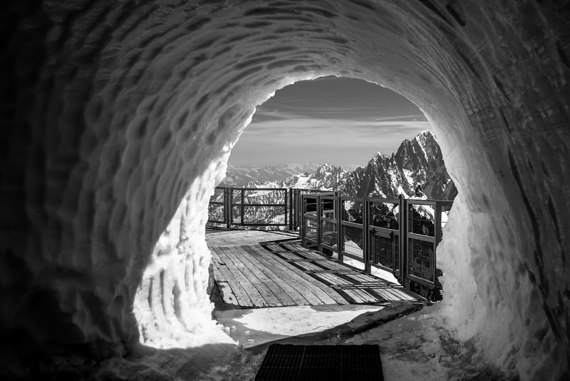 Puerta a Los Alpes. L'Aguille du Midi