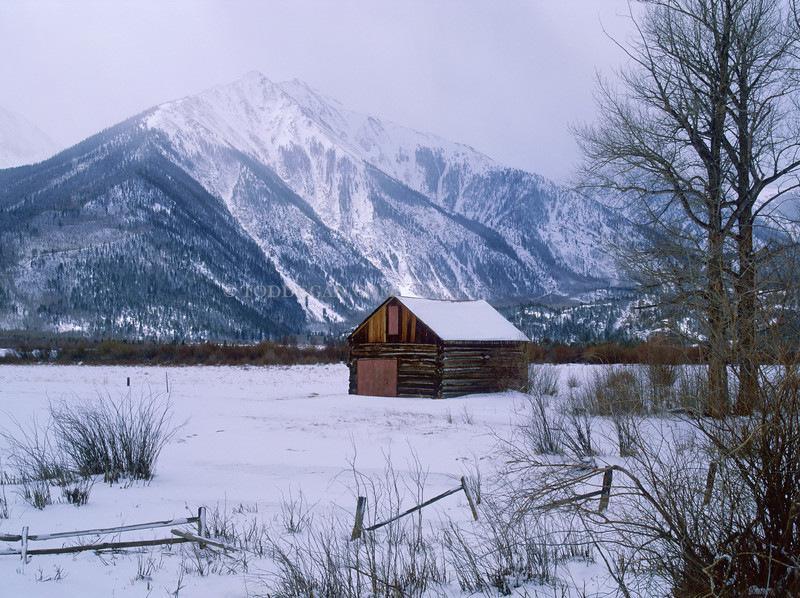 independence pass barn