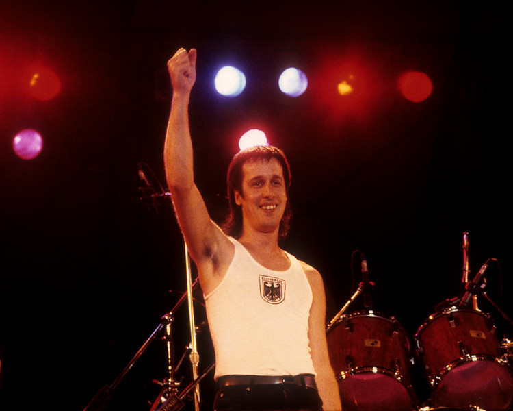 """Todd Rundgren perfoming with Utopia on their """"Oblivion"""" tour at Pier 84 on August 24, 1984."""