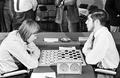 Frank Drost (links) tegen Jan Cazemier (Zwitserland)