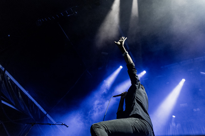 #TTP16 #Suede #BrettAnderson @suedehq #Jumping #indie #music #perfectmoment #nikond750 #levitating #hover #prestonpark #Brighton #blackjeans #gigphotography