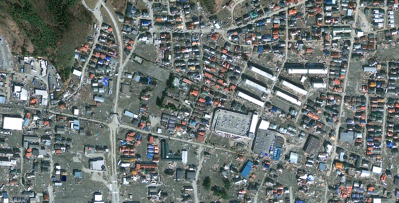 The Kazuminami Watanoha and Hamamatsucho wards of Ishinomakai after the tsumani on march19th, 2011 (credits Google maps).