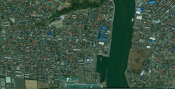 Minamihanmacho and Kadonowakicho wards of Ishinomaki before the tsunami on April 4th, 2010 (credits Google Maps)