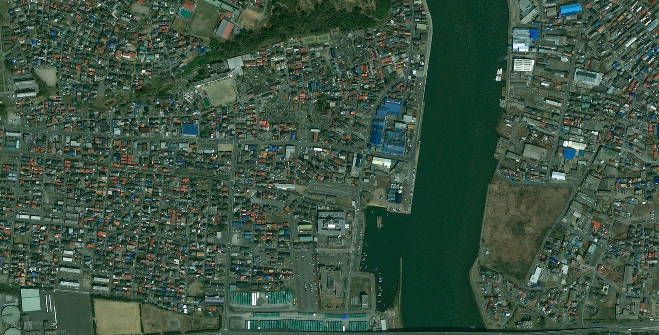 Minamihanmacho and Kadonowakicho wards of Ishinomaki before the tsunami on April 4th, 2010 (credits Google Maps)
