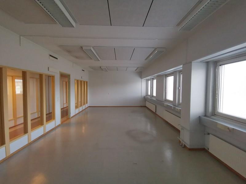näyttelytila 41 m2