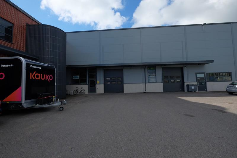 Nosto-ovet 800 m2 varastohalliin 114 maantasosta
