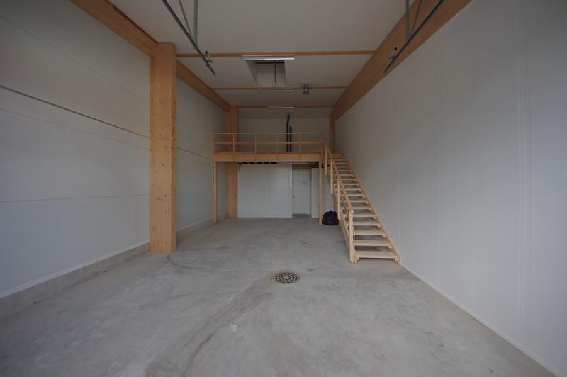 75 + 20 m2 halli