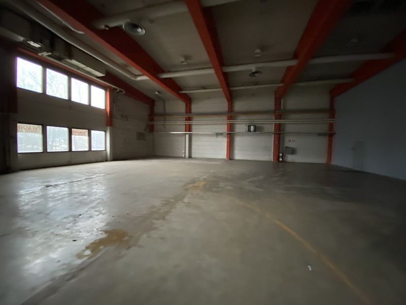 2A n. 412 m2. Vapaa korkeus n. 6,5 m