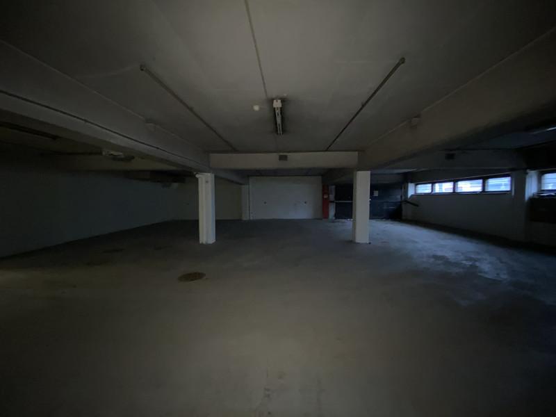 K: autohalli 20,35 x 39,77 m n. 809,5 m2