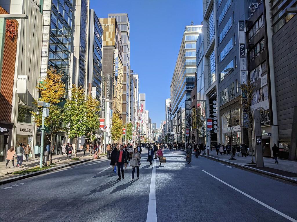 Ginza Chuo-Dori – Weekend Pedestrian Paradise