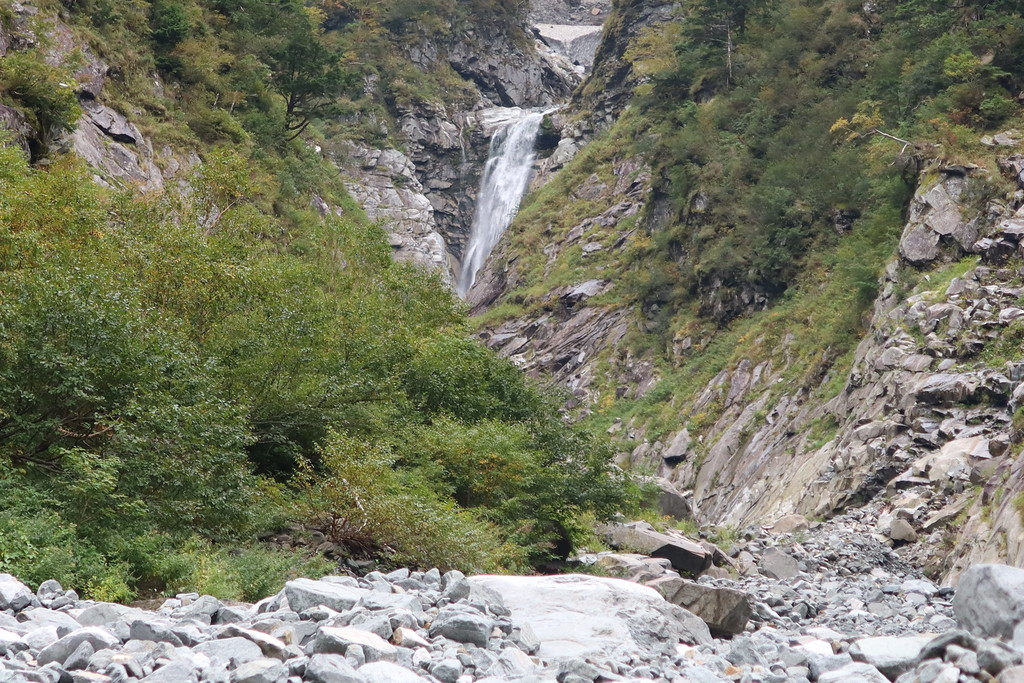 Odaki Falls and snowfield