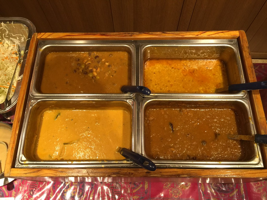 Lunch buffet curries