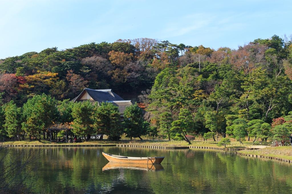 Autumn foliage in the Sankeien Garden