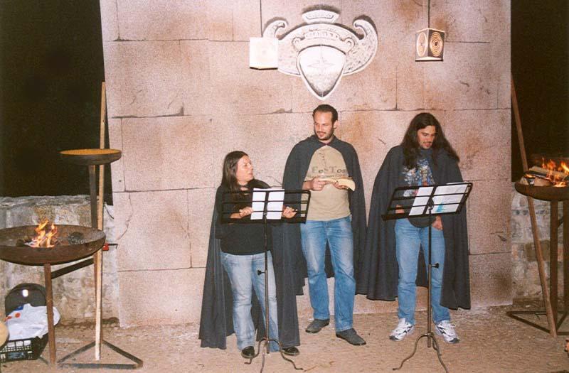 La prima celebre e divertentissima performance del Trio Monnezza. Proud to be Proudneck