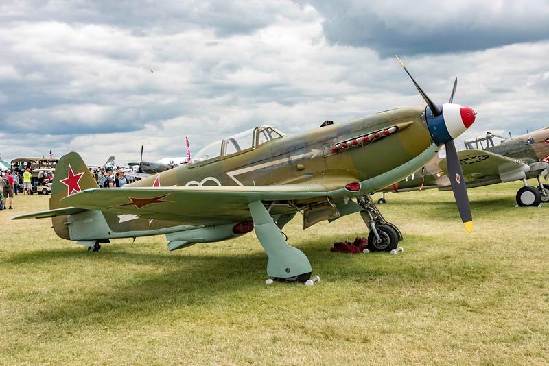 TOM 0122 YAK 9 WWII Fighter