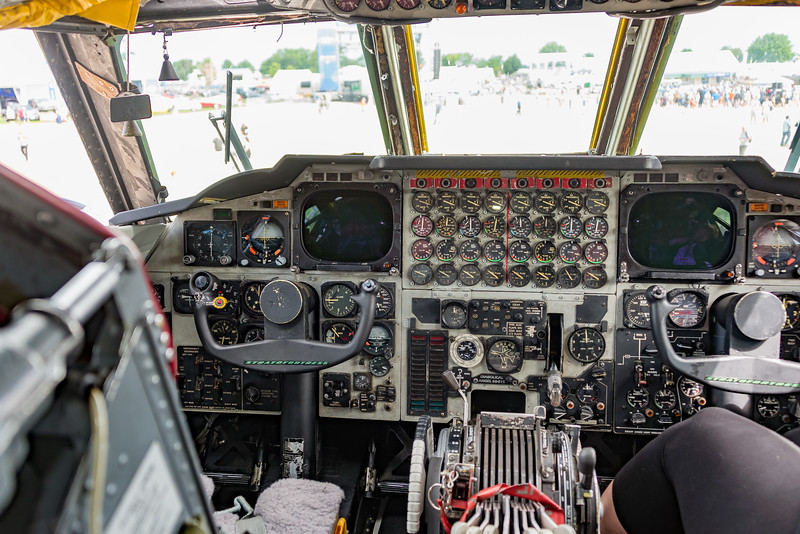 Boeing B-52H from Barksdale AFB, LA, still has round steam gauges - for 8 engines too!