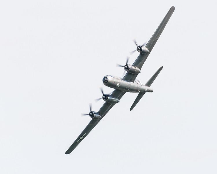 B-29 FiFi flies passes with Doc at Oshkosh 17