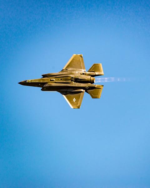 F-35 showing off in burner turn