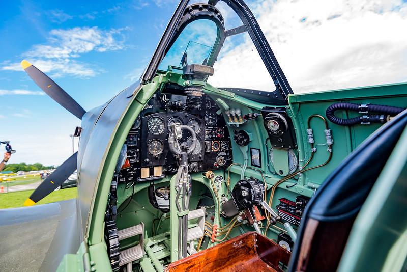 Spitfire cockpit OSH17