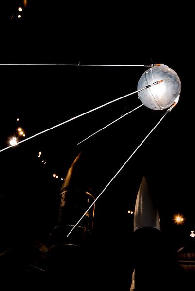 Spunik Model, 4 Oct 57.