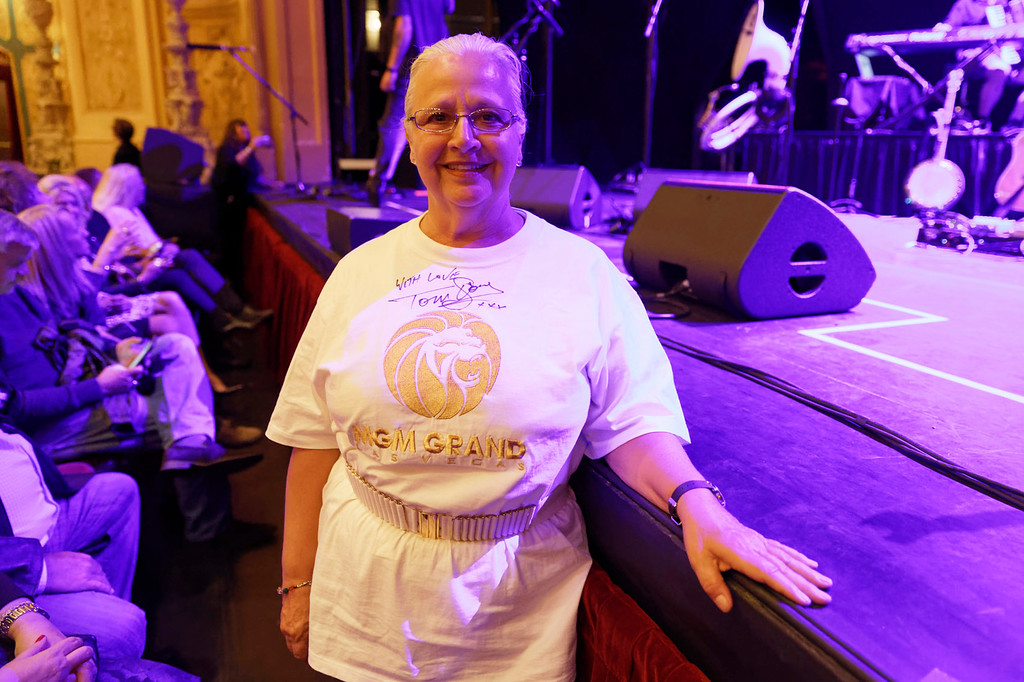 . Longtime fan, Helene LePage from Montreal ot Tom Jones\' show at Detroit Opera House.
