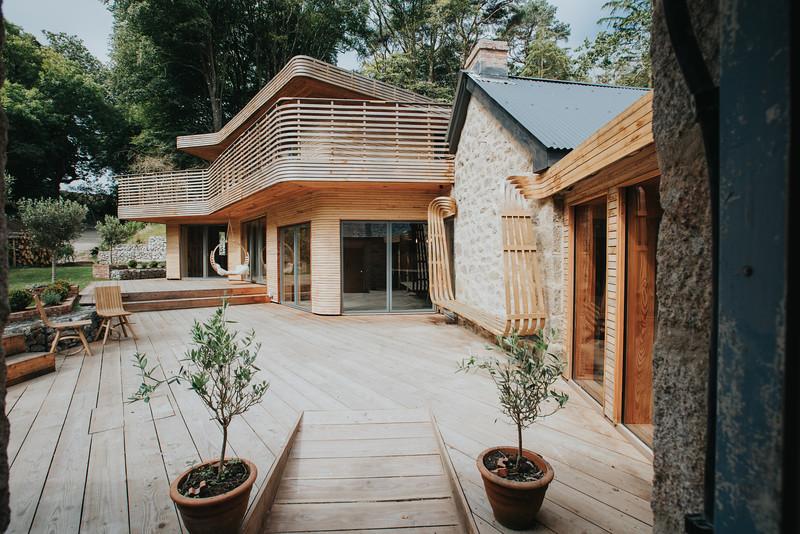 023-tom-raffield-grand-designs-house