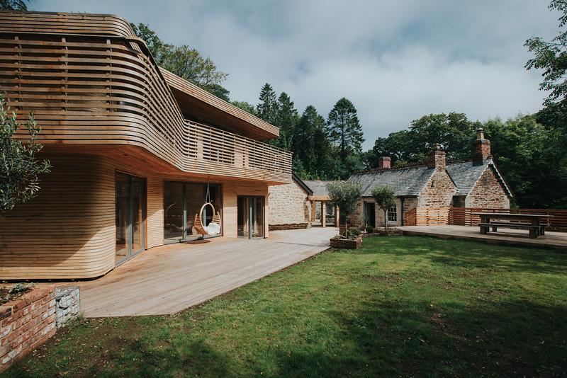 028-tom-raffield-grand-designs-house