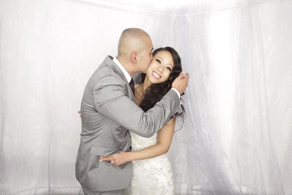 Tom and Phoebe Yu Photos