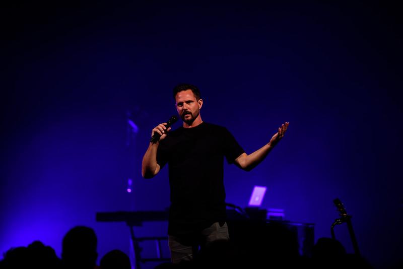 081316_BethelMusic_WorshipNight-46