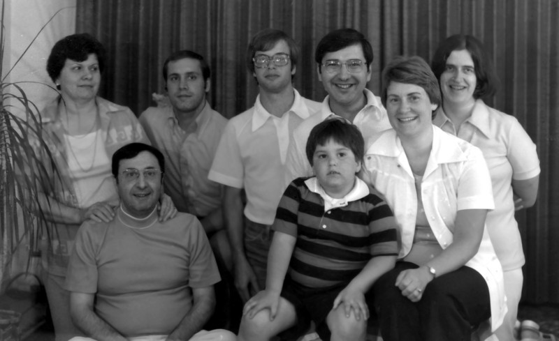 1977 - Back row: Ann, Bill, Richard, Frank & Penny.<br />            Front row: Bill, Chris & Harriet.