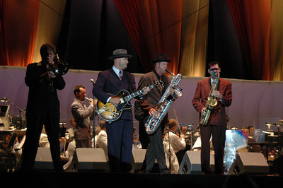 01 Septembert 2004; San Diego, California; Big Bad Voodoo Daddy with the San Diego Symphony