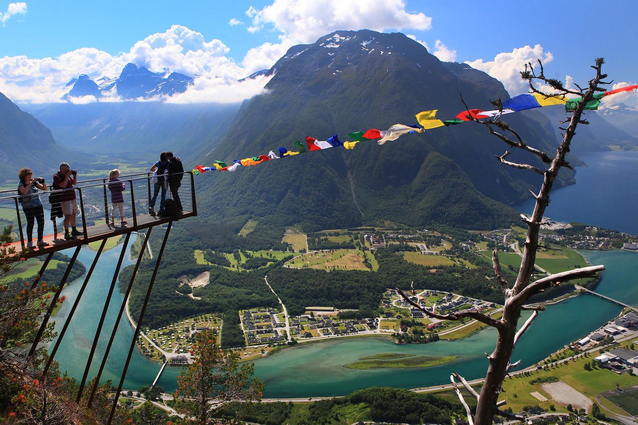 Romsdalseggen Ridge - Rampestreken