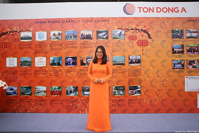 Ton-Dong-A-Year-End-Party-Photobooth-in-Binh-Duong-Chup-hinh-in-hinh-lay-lien-Tiec-tat-nien-tai-Binh-Duong-WefieBox-photobooth-vietnam-009