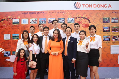 Ton-Dong-A-Year-End-Party-Photobooth-in-Binh-Duong-Chup-hinh-in-hinh-lay-lien-Tiec-tat-nien-tai-Binh-Duong-WefieBox-photobooth-vietnam-010