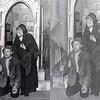 T0016   Samenwerkingsverband tussen de RK toneelgroepen: St. Pancratius en St. Caecilia, De Kruisweg langs de Stad, 14-03-1948<br /> <br /> 01Koos Hoogervorst<br /> 02Bep Vrijburg