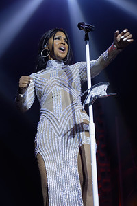 Toni Braxton at The Soundboard Theater on 10-12-2016.  Photo credit:  Ken Settle