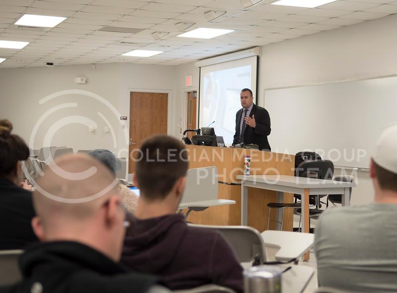 Kansas City Star's Tony Berg speaks to an audience about his job in Kedzie Hall at Kansas State University, in Mahattan, Kan., on Nov. 15, 2017. (Olivia Bergmeier | Collegian Media Group)