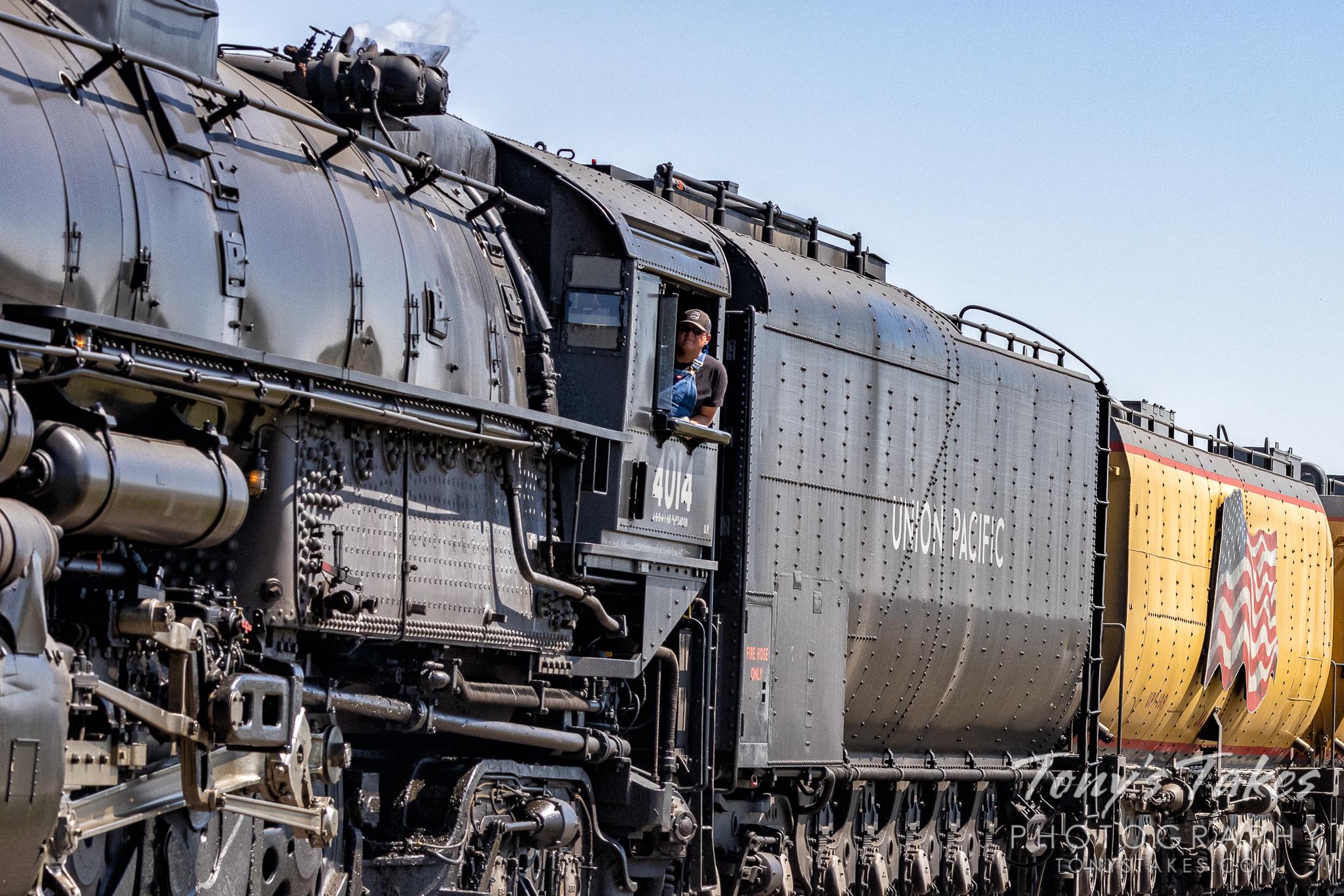 Closeup of Union Pacific Big Boy No. 4014 as it rolls across Colorado. (© Tony's Takes)