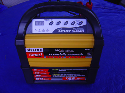 Smart Battery Charger Vector 1093 A