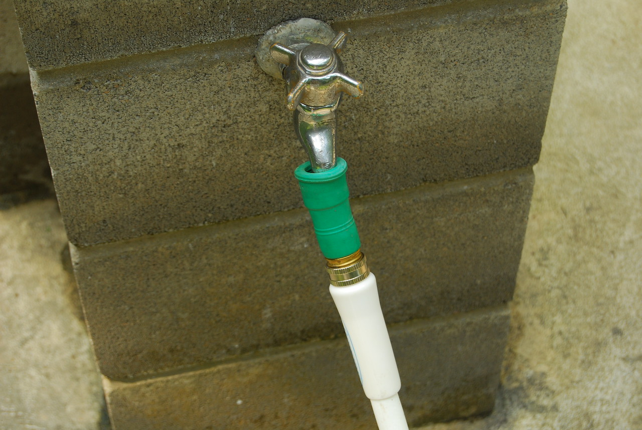 Water Theif connecting a hose to a tap without a hose threaded end.