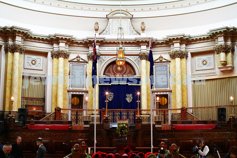 23-4-15. Anzac memorial at Toorak Shul. Photo: Peter Haskin