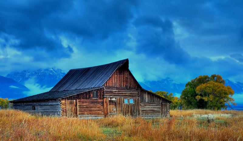 Moulton Barn, GTNP  # 12-271HDR