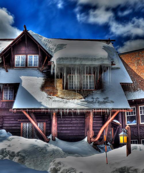 Old Faithful Inn 4/23/2011  #174-4/23ed5